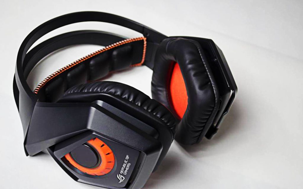 Asus Strix Wireless Gaming Headset im Text